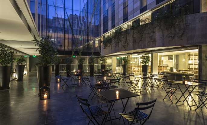 Anselmo Buenos Aires, Curio Collection by Hilton Hotel - Patio at night