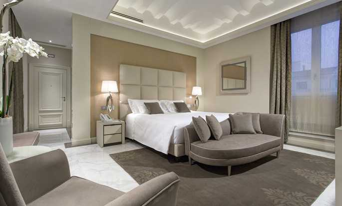 Aleph Rome Hotel, Curio Collection by Hilton, Italy - Barberinin Suite Bedroom