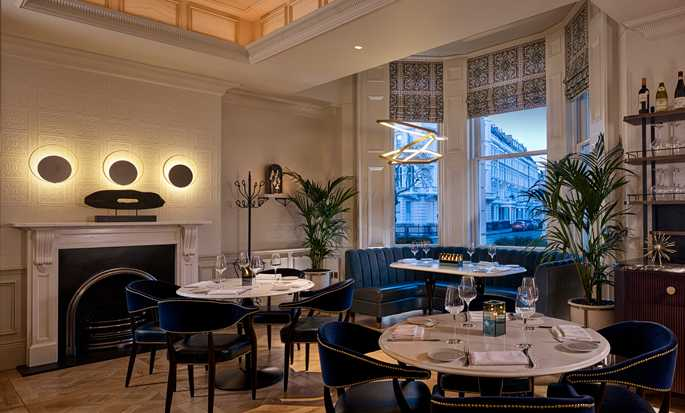 100 Queen's Gate Hotel London, Curio Collection by Hilton - Dinning