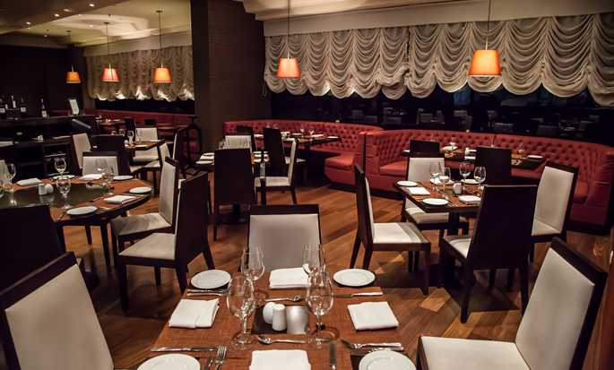 DoubleTree by Hilton Hotel Bogotá - Parque 93, Colombia - Restaurant