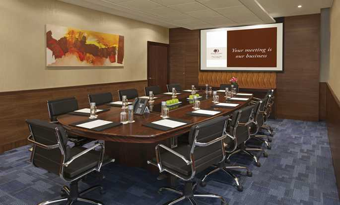 DoubleTree by Hilton Hotel and Residences Dubai - Al Barsha - Meeting Room