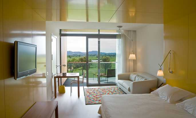 Doubletree by Hilton Hotel & Spa Emporda, Spain - King Guest Room