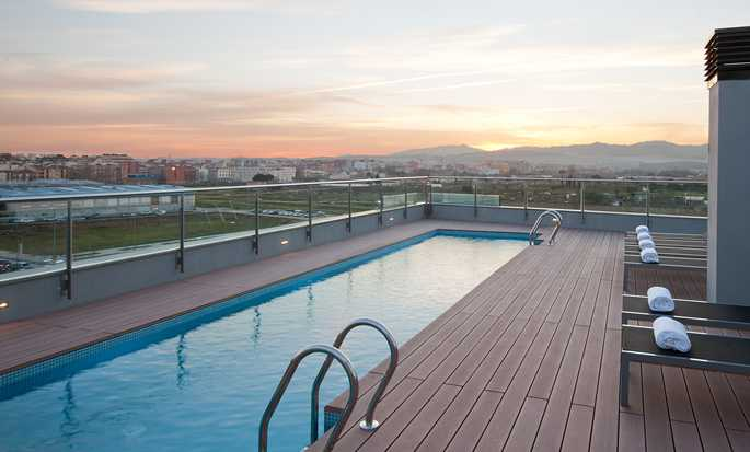 DoubleTree by Hilton Girona, Spain - Hotel Pool