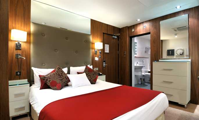 DoubleTree by Hilton Hotel London - West End, UK - Double Deluxe Room