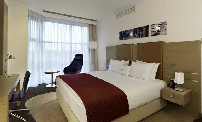 DoubleTree by Hilton Hotel Oradea, Romania - King Guest Room