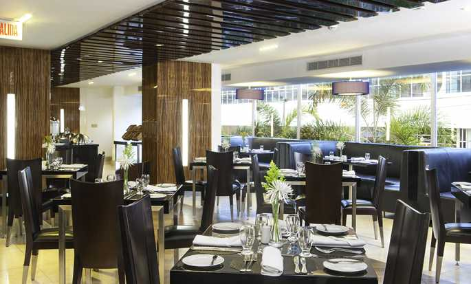 DoubleTree by Hilton Hotel Panama City - El Carmen, Panama - City Cafe Dining