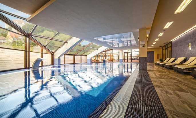 DoubleTree by Hilton Hotel Sighisoara - Cavaler, Romania - Pool