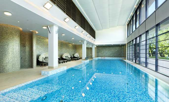 DoubleTree by Hilton Hotel & Conference Centre Warsaw, Poland - Pool