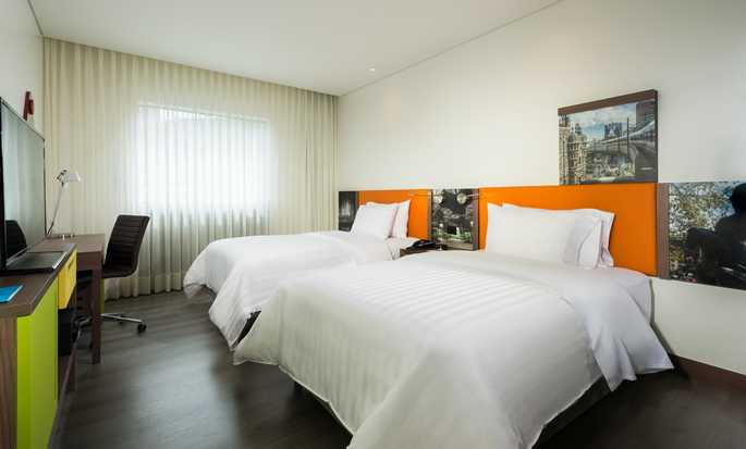Hampton by Hilton Bogota Airport, Colombia - Room