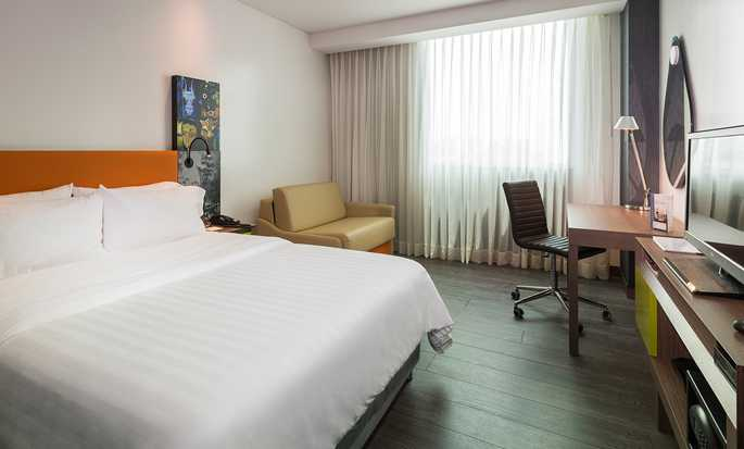 Hampton by Hilton Cartagena, Colombia - Guestroom
