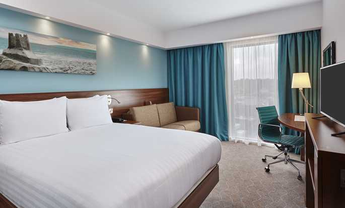Hampton by Hilton Frankfurt City Centre East hotel, Germany -  King Guestroom