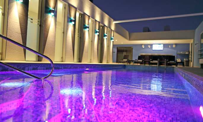 Hampton by Hilton Panama - Swimming pool