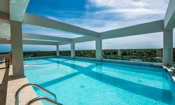 Hampton by Hilton Santo Domingo Airport hotel, Dominican Republic - Pool