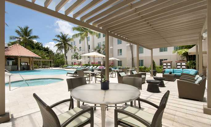 Hampton Inn & Suites San Juan, Puerto Rico - Pool area