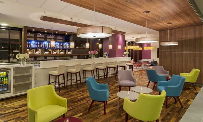 Hampton by Hilton Warsaw City Centre Hotel, Poland - Bar