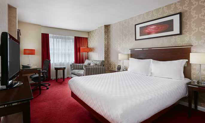 Hilton Garden Inn Aberdeen City Centre hotel, Aberdeen, UK - Queen Room