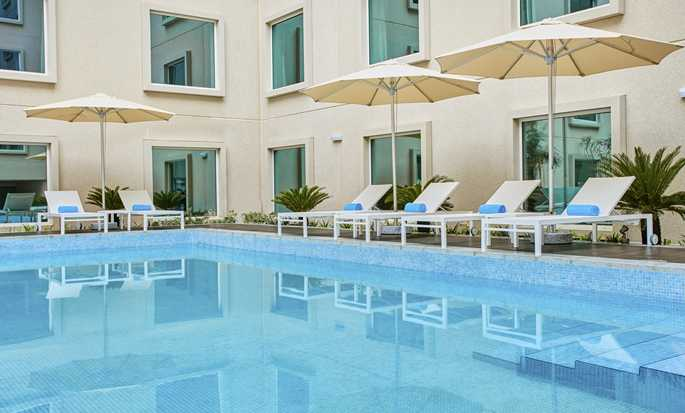 Hilton Garden Inn Mall of the Emirates hotel - Outdoor Pool
