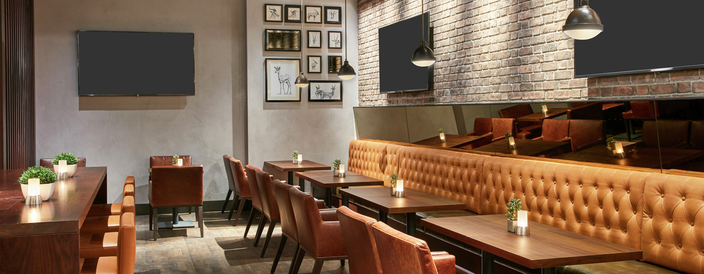 Hilton Garden Inn Massy, France - Bar Seating