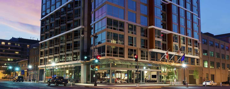 Hilton Garden Inn Washington DC/Georgetown Hotel   Hotel Exterior