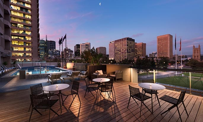 Hilton Adelaide - Swimming Pool and deck