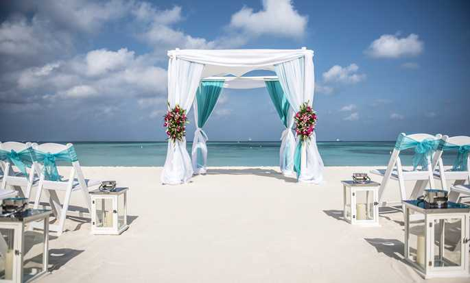 Hilton Aruba Caribbean Resort & Casino hotel, Aruba - Aruba beach wedding