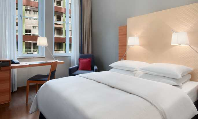Hilton Cologne, Germany - Guestroom