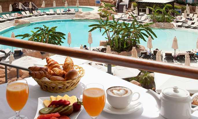 Hilton Vilamoura As Cascatas Golf Resort & Spa, Portugal - Breakfast
