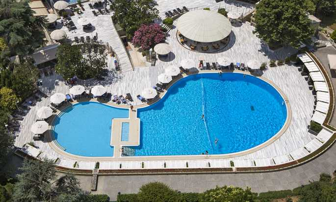 Hilton Istanbul Bosphorus, Turkey - Hilton Bosphorus Outdoor Swimming Pool