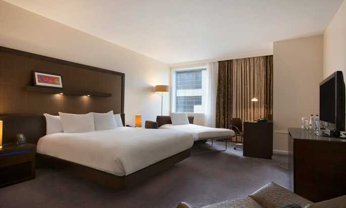 Hilton London Canary Wharf Hotel, UK - Queen Deluxe Room