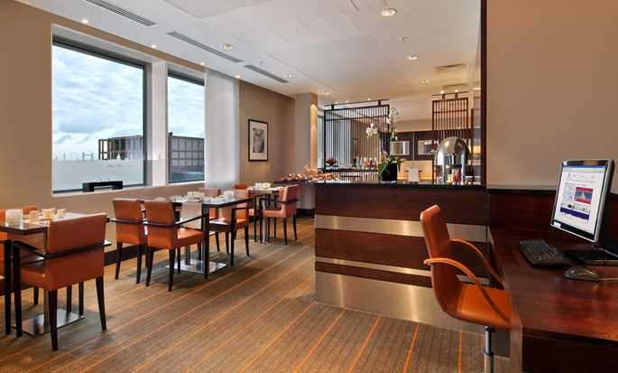 Hilton London Canary Wharf Hotel, UK - Executive Lounge