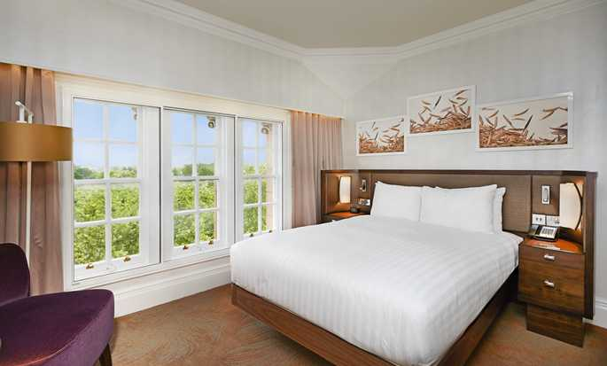 Hilton London Hyde Park Hotel, UK - King Deluxe Guest Room with View