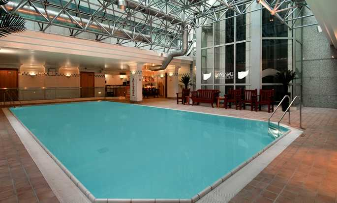 Hilton London Metropole hotel - Indoor pool
