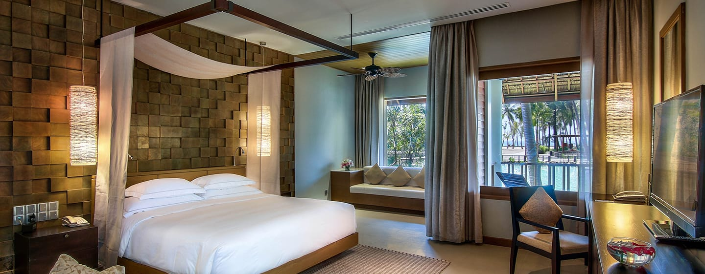Hilton Ngapali Resort & Spa hotel, Myanmar - King Deluxe Room with Lagoon View and Balcony