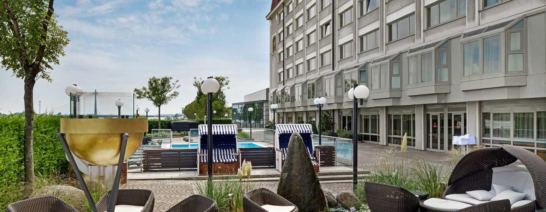 Hilton Vienna Danube Waterfront hotel, Austria - Outdoor Pool