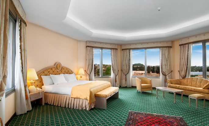 Hilton Yaounde, Cameroon - King Presidential Suite