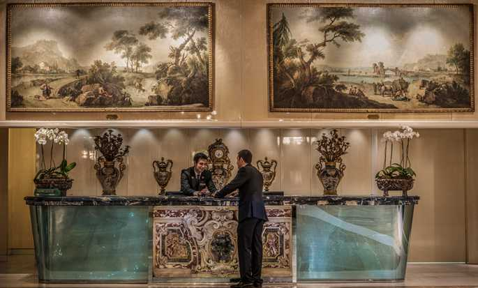 Rome Cavalieri, A Waldorf Astoria Resort, Italy - Concierge Desk