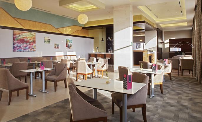 Hampton Inn by Hilton Silao-Aeropuerto Bajio, Guanajuato MX - Dining area