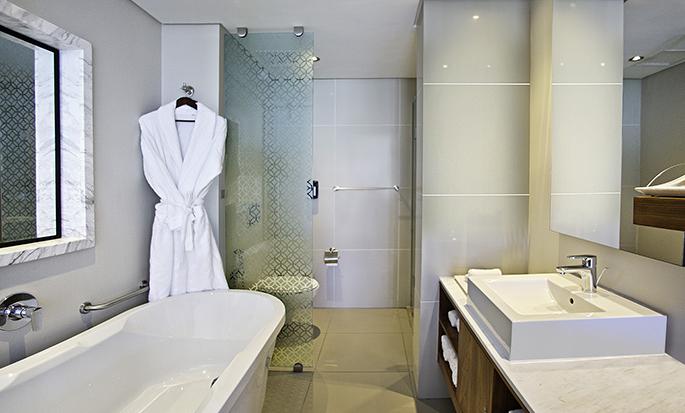 Hilton Cape Town City Centre - Bathroom