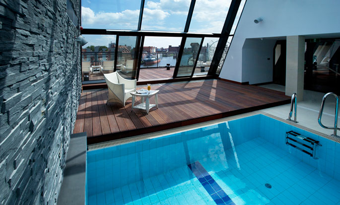 Hilton Gdansk, Poland - Roof pool with Urban Beach