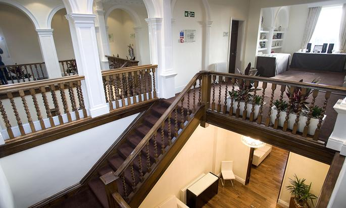 DoubleTree by Hilton Hotel & Spa Chester - Manorhouse Staircase