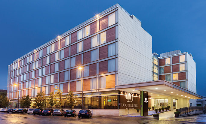 Hôtel DoubleTree by Hilton Milan, Italie - Extérieur, en soirée