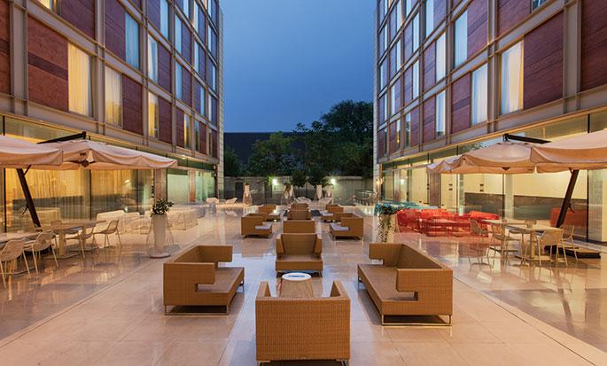 Hôtel DoubleTree by Hilton Milan, Italie - Espace de détente extérieur