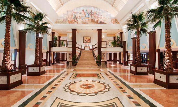British Colonial Hilton Nassau, Bahamas - Hotel lobby
