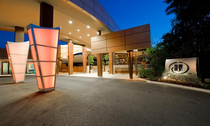 Hilton Trinidad & Conference Centre, Port of Spain - Hotel entrance